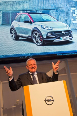 Голандский дебют: Peter Christian Küspert, Вицепрезидент Opel Group, презентовал новый ADAM ROCKS S